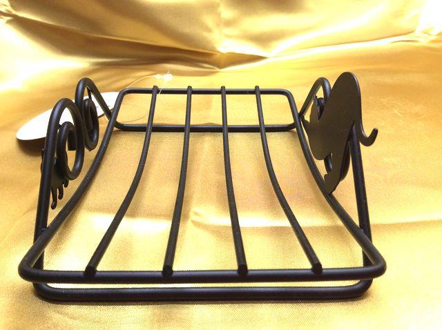 大西賢デザインcatスチール製石けん置きを横から写した画像