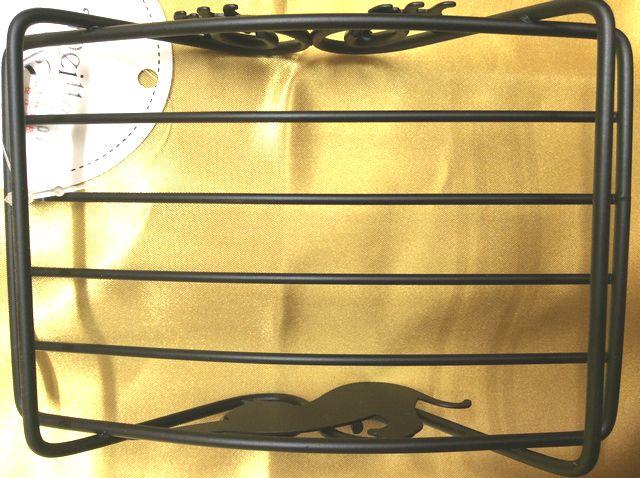 大西賢デザインcatスチール製石けん置きの裏側の画像