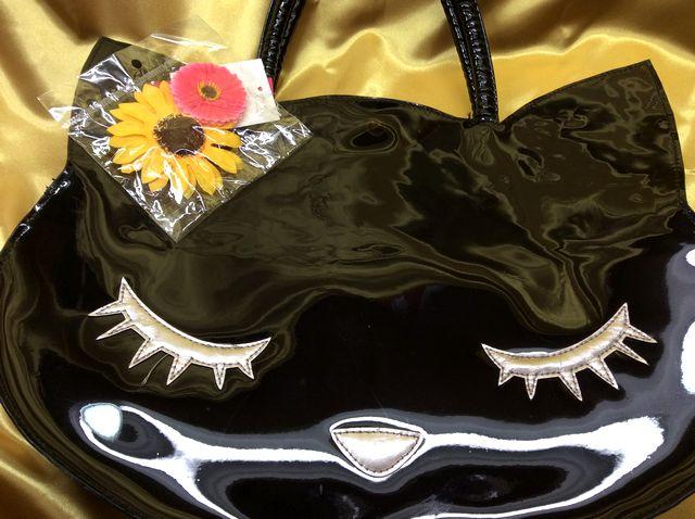 プー猫顔型のトートバッグの黒スケルトン目つむりタイプの全体画像