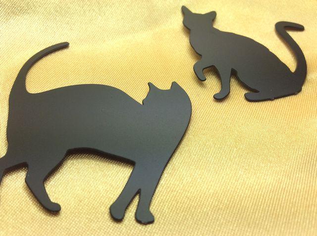 黒猫のシルエットマグネット2種類の全体像