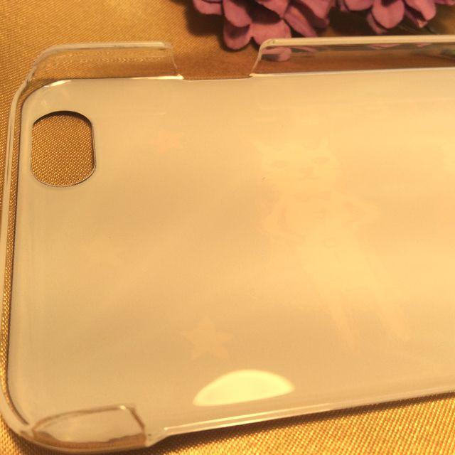 くちばしさくぞうさんの、アイフォン6用カバーの内側のカメラの穴の部分の画像