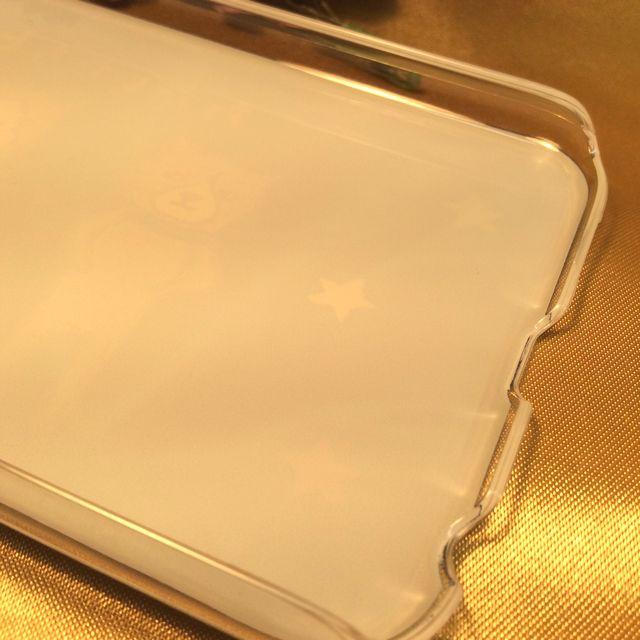 くちばしさくぞうさんの、アイフォン6用カバーの内側の縁の部分のクローズアップ画像