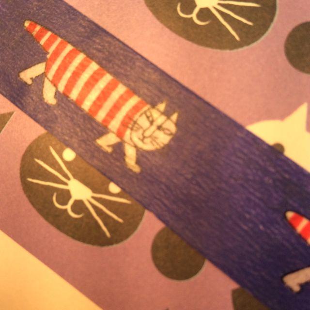 リサ・ラーソンのマスキングテープを紙に貼った画像