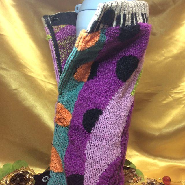 マタノアツコロングポシェチーフ紫にドリンクボトルを入れた画像