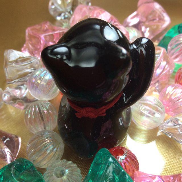 手作り招き猫の置物黒猫の後ろ姿の画像
