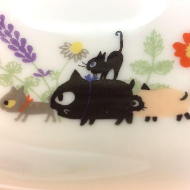 かとうしんじのお醤油皿にも箸置きにもなる便利な小皿お花小皿のクローズアップ画像