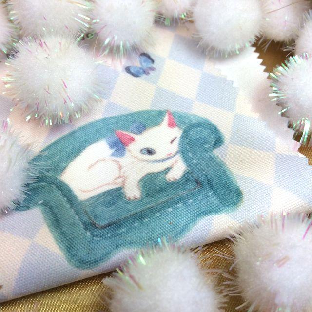 仲田愛美先生の描くリボンキャットのメガネ拭き白猫の部分のクローズアップ画像