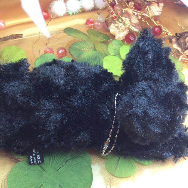 Powa Powa黒猫ボールチェーンバッグチャームの上側クローズアップ画像