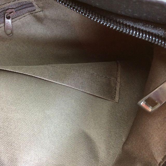 茶トラ猫フォトデカトートバッグの天ファスナーを開けた状態の内側ポケットの画像