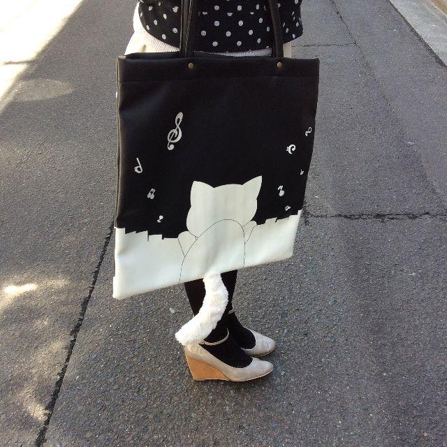 猫のプーちゃんのトートバッグの背面の画像