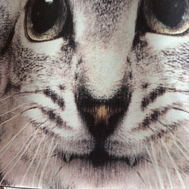 グレー猫フォトデカトートバッグの正面の画像