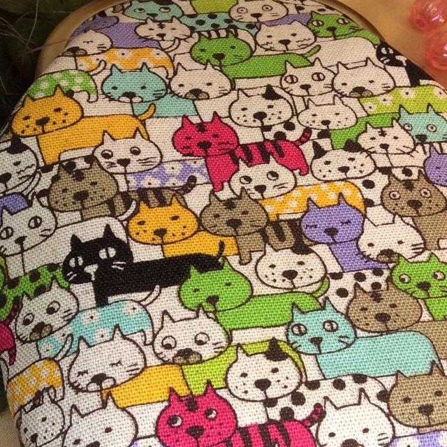 がまぐち作家ゆきむし さんのハンドメイドタバコケースのぎゅうぎゅう猫柄の画像