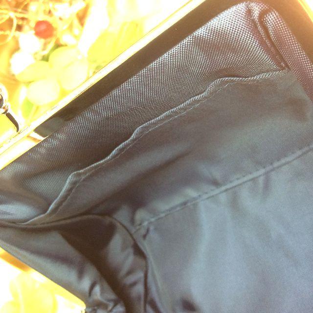 ココロ結びシリーズがま口ポーチの内側のポケット部分のアップ写真
