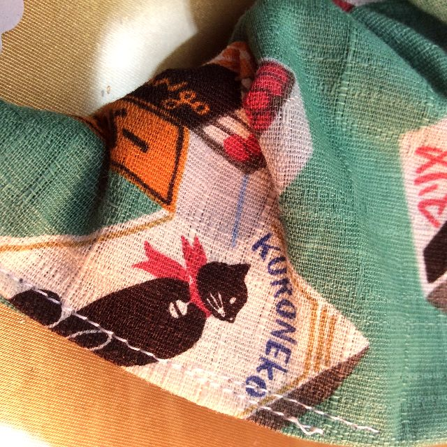 ハンドメイド猫の首輪グリーンの裏柄写真
