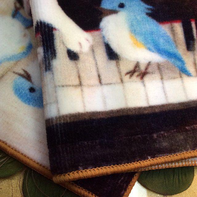 仲田愛美先生のリボンキャットタオルハンカチピアノの鍵盤部分アップ写真