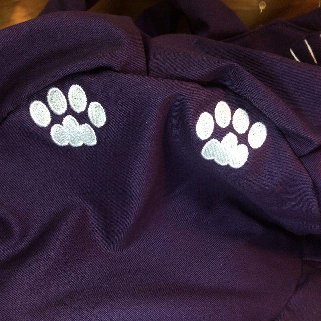 ルートートアニマル猫バッグパープルの後ろ足の肉球部分アップ写真