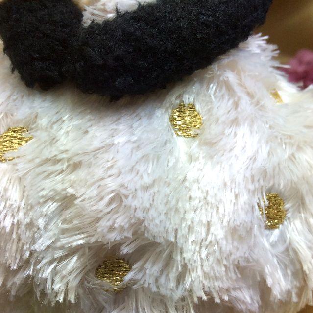 マタノアツコ先生の黒猫のマシュマロヌイグルミ白いスカートに金糸のドット刺繍部分のアップ写真