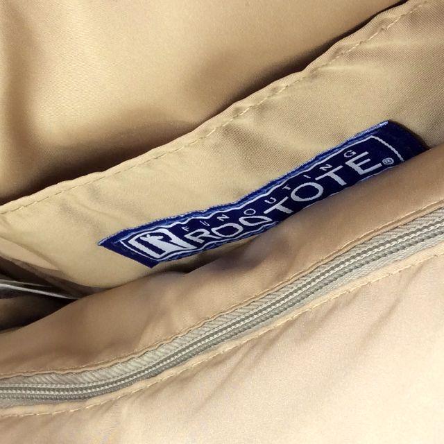 がま口ルートートバッグ刺繍猫顔を開き、内生地と内側ファスナーポケットの画像