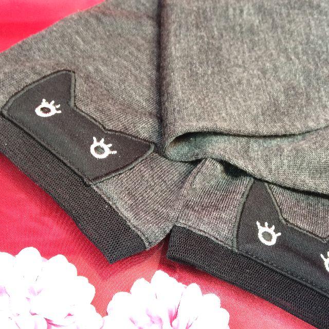 マタノアツコ黒猫ロングUV手袋の黒猫部分のクローズアップ画像