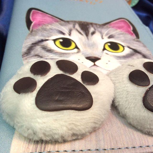 フェリシモ猫部の肉球付きスマホケースブルーグレーサバトラ猫の外側の前面の全体画像