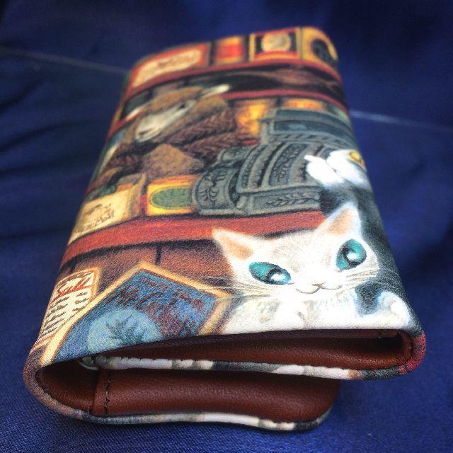 猫のダヤンの本牛革キーケース「グロッサリー」柄の背面画像