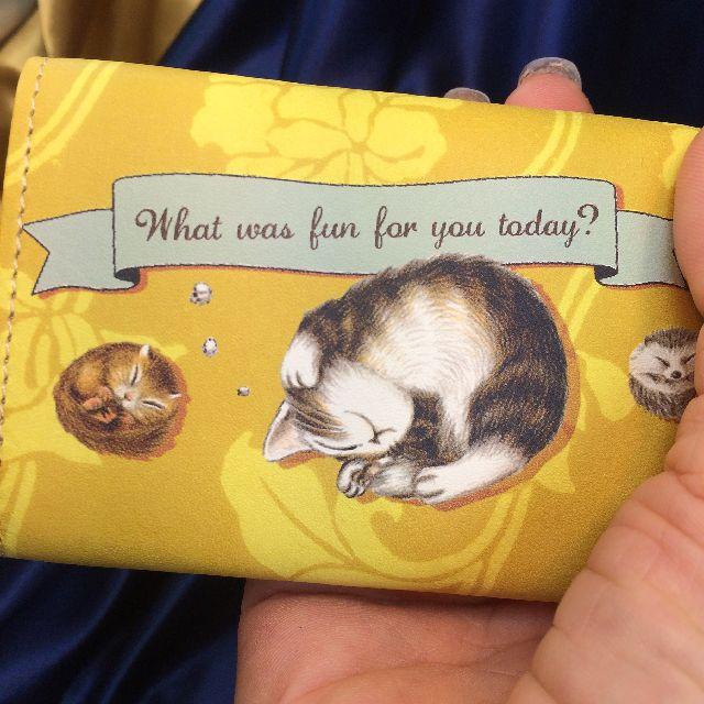 猫のダヤンの極小三つ折り財布「丸猫」柄の背面画像