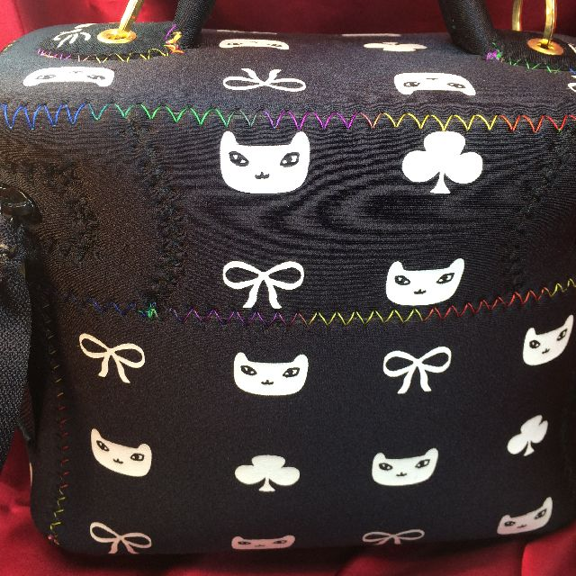 プチニャのバニティバッグの背面の画像
