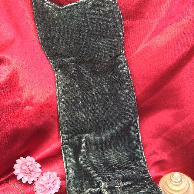 フェリシモ猫部のなが~い猫タオル「黒猫白パンツ」の背面側画像