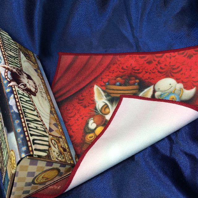 猫のダヤンのメガネ拭き「赤い部屋のマカロン」の裏側の画像