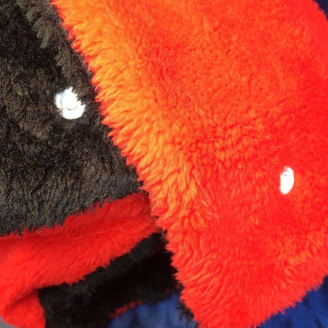 猫のスクラッチのリバーシブルブランケットの裏側の画像