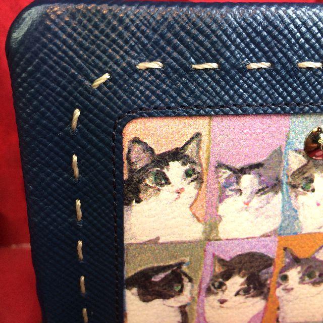 マンハッタナーズ二つ折り財布の角部分のクローズアップ画像