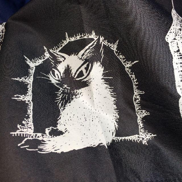 猫のダヤンの遮光ミニ折りたたみ傘「お城」柄のジタンの絵柄部分のクローズアップ画像