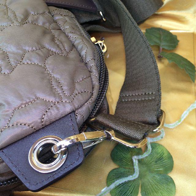 ダヤンのワンショルダーバッグのショルダー紐と、フック部分の画像