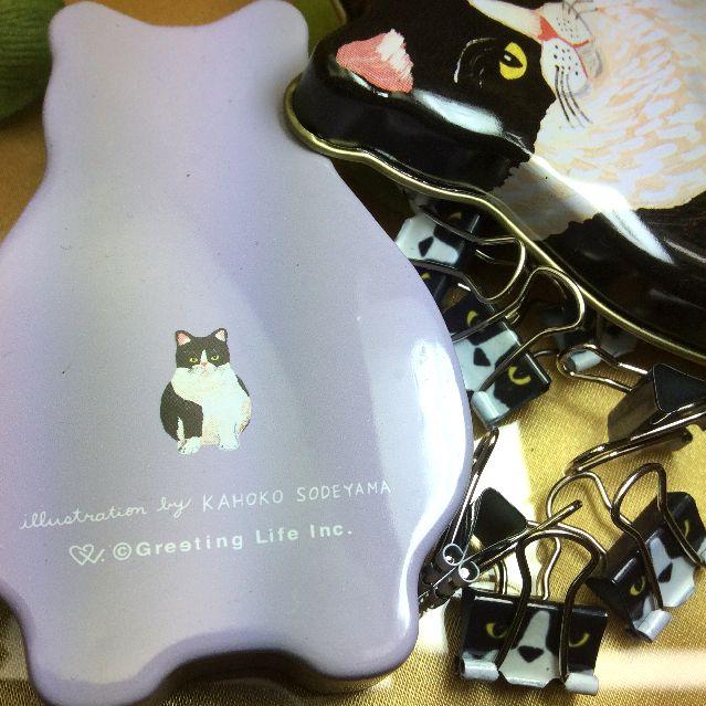 猫ミニクリップと猫型缶の裏側と蓋の画像