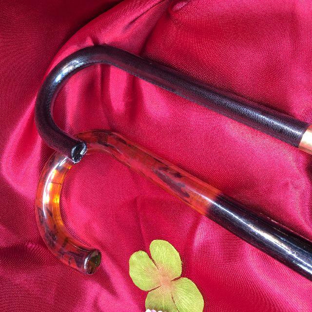 ダヤンの長傘「エスパーニャ」とマンハッタナーズ長傘の持ち手の比較画像