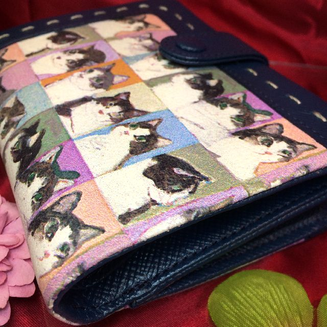 マンハッタナーズ二つ折り財布の脇マチの画像