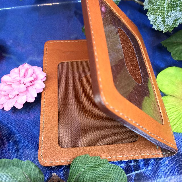 ダヤンの二つ折りパスケースのパスポケット部分の画像