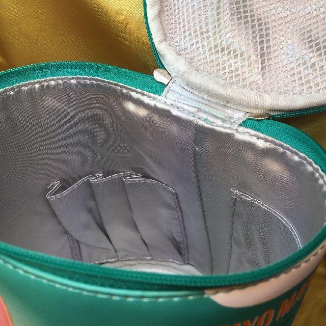 フェリシモ猫部のバニティーポーチの内側のマチつきポケット画像