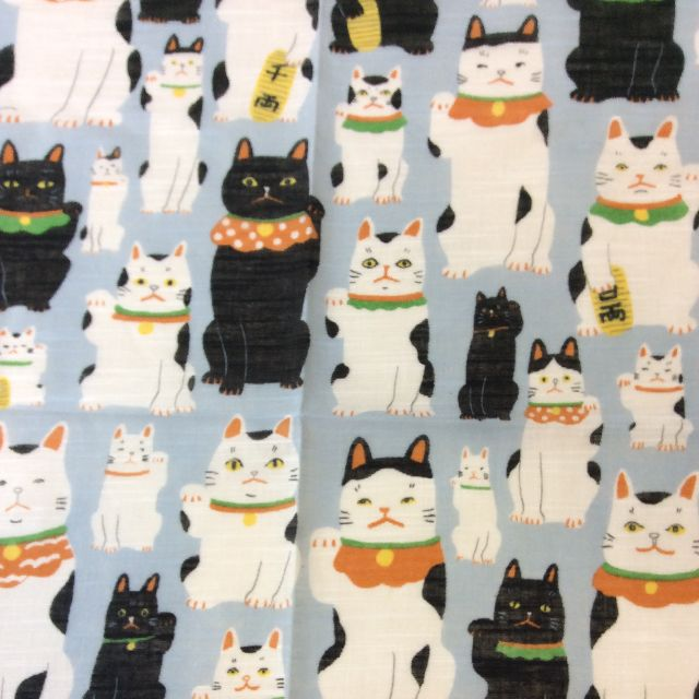 マツモトヨーコ先生のLサイズ招き猫ハンカチの招き猫部分のクローズアップ画像