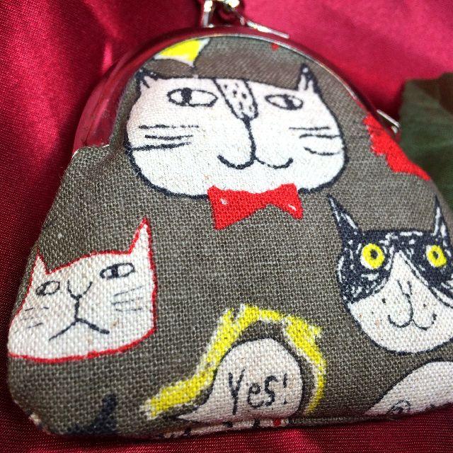 あっとひろまるさんの手作り猫柄がま口小銭入れの背面側全体画像