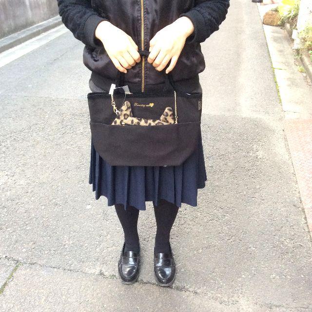 レオパード柄猫型ポシェット付きトートバッグの本体の裏側の全体画像