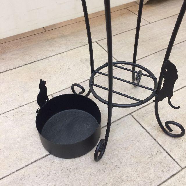 大西賢のアンブレラスタンドネコブラックの受け皿を外した画像