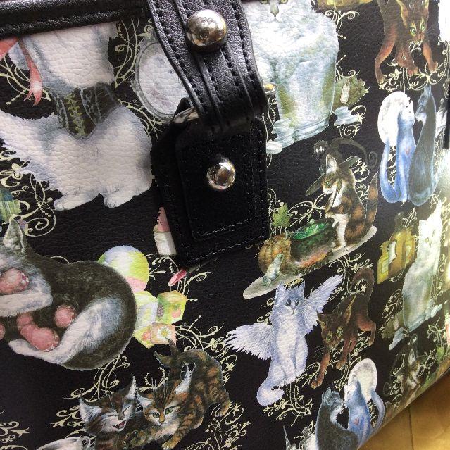 猫柄ボストンバッグの全体の画像