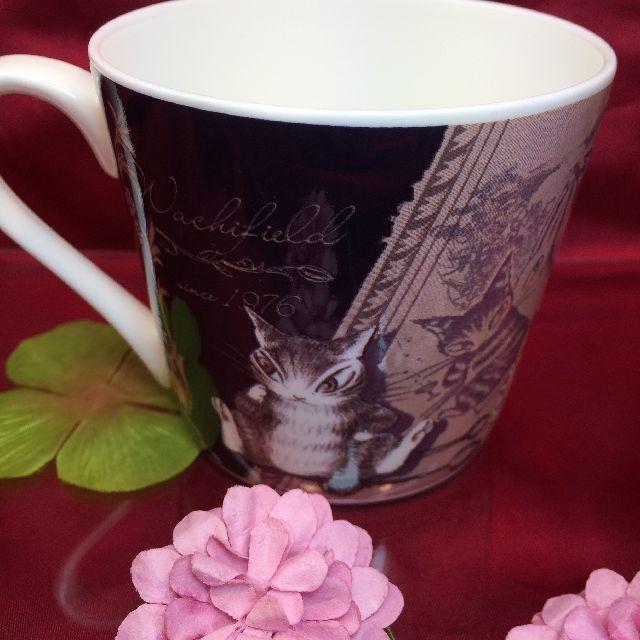 ダヤンの軽量マグカップ「月に乾杯」の背面側の画像