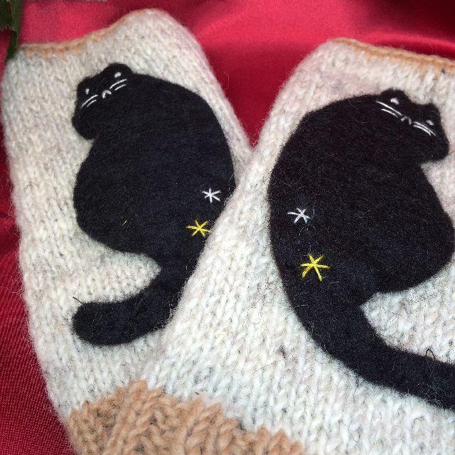 黒猫柄指無し手袋の全体画像