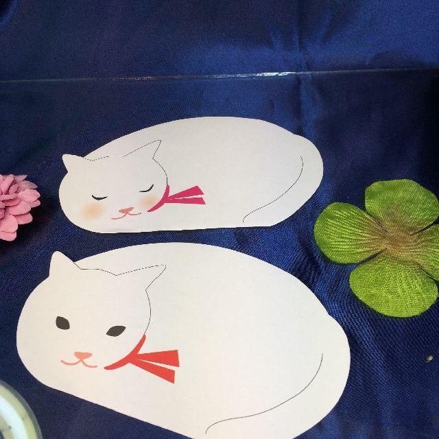 ねむりねこダイカットメモの白猫の画像