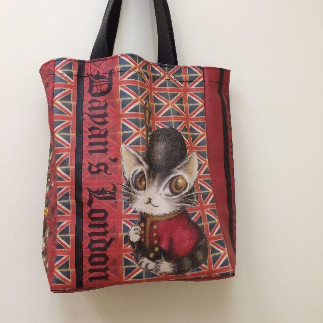 猫のダヤンのレッスンバッグ・ラミネート製「ロンドンⅡ」柄のオモテ側の画像
