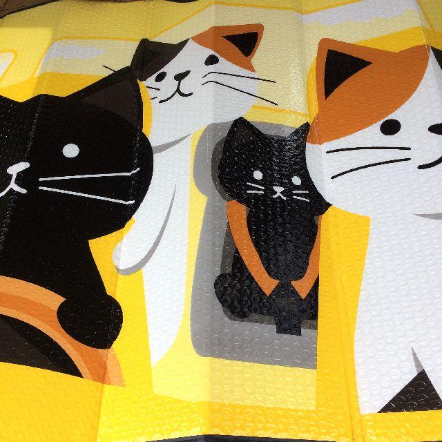 猫柄のカーサンシェードを広げた全体画像