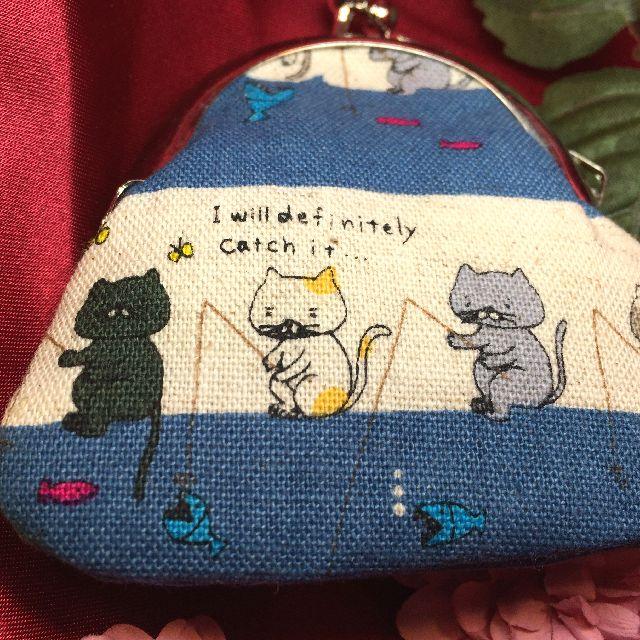 あっとひろまるさんの手作り猫柄小銭入れブルー色の表側の画像